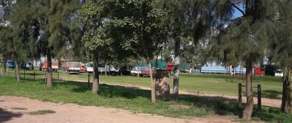 Protesta de camioneros de cereales en Charata, Chaco.