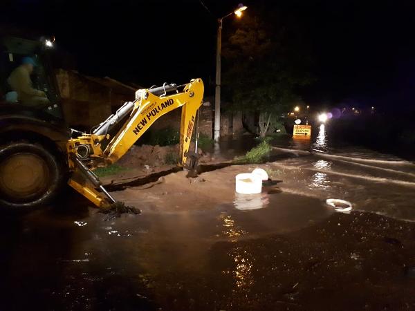 Excavadoras y bombas en emergencia hídrica en Charata