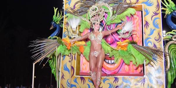 Súper Carnavales del Cincuentenario en Villa Ángela