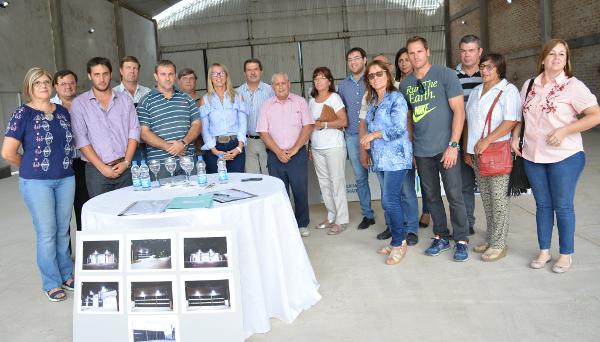 El municipio de Charata entregó la obra a los Bomberos de Charata