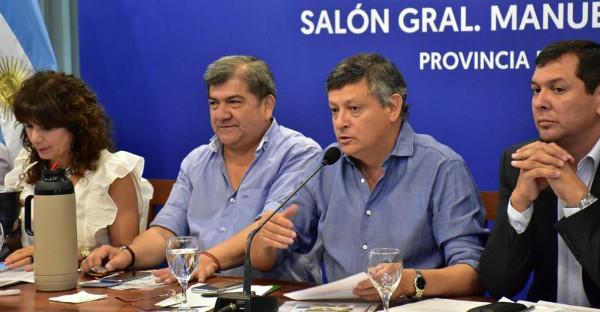Peppo anunciando los créditos de ANSES para municipios del Chaco