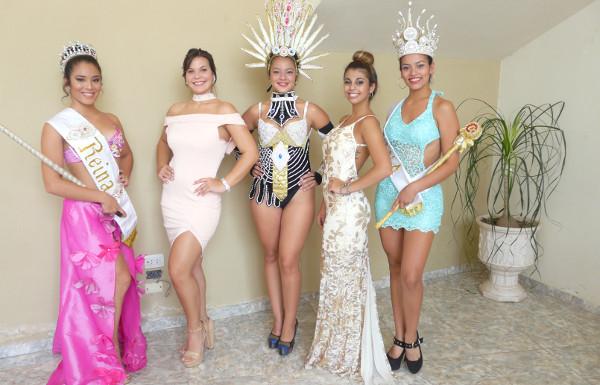 Reinas de las comparsas que participan de los Carnavales 2018 en Charata
