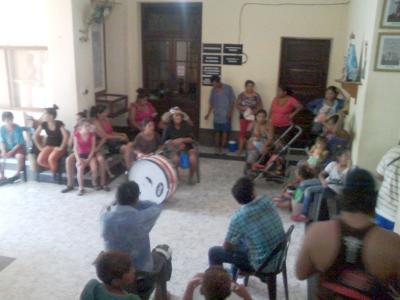 Usurpadores del Barrio Centenario tomaron la Municipalidad de Charata.