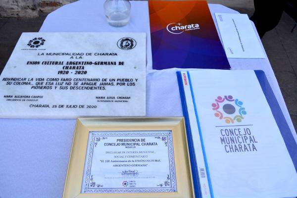 Entrega de reconocimientos a la Unión Argentino-Germana de Charata por sus 100 años de vida