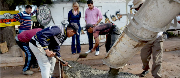 Construcción de veredas sobre Avenida Belgrano en Charata