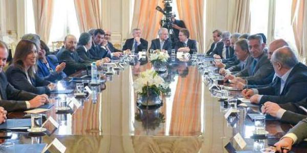 Chaco, Corrientes y Santa Fe destacan como positivo el acuerdo entre Macri y gobernadores