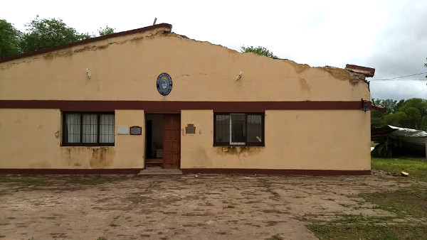 Destrozos del viento fuerte sobre la Escuela de Pampa Sommer