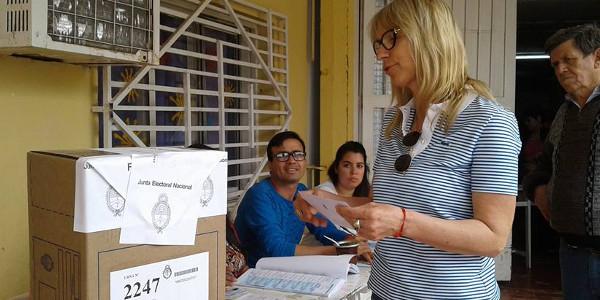 Maria Luisa Chomiak emitió su voto en Charata